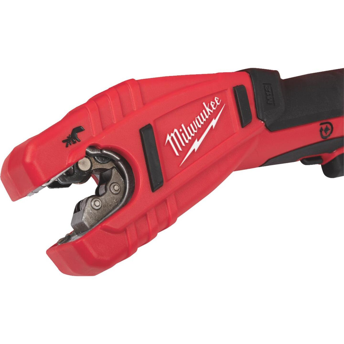 Milwaukee M12 12 Volt Lithium-Ion Copper Cordless Pipe Cutter Kit Image 10